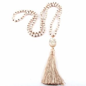 NEW 🌸💎 Glass bead and druzy Tassel necklace